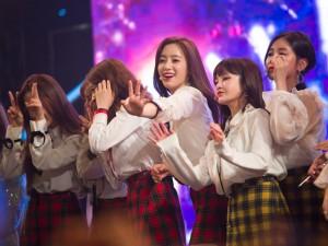 Sân khấu đêm nhạc bị cháy, T-ara vẫn nhiệt tình hết mình vì khán giả