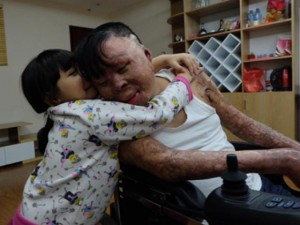 Gặp chiến sĩ duy nhất sống sót sau vụ máy bay rơi ở Hòa Lạc trước thềm năm mới 2017