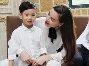 Những quý tử công chúa con sao Việt chào đời đúng ngày đặc biệt, ai biết cũng ngỡ ngàng