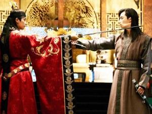 """Hwarang tập 19: Biết được thân thế """"khủng"""", Park Seo Joon quyết giành lại địa vị của mình"""