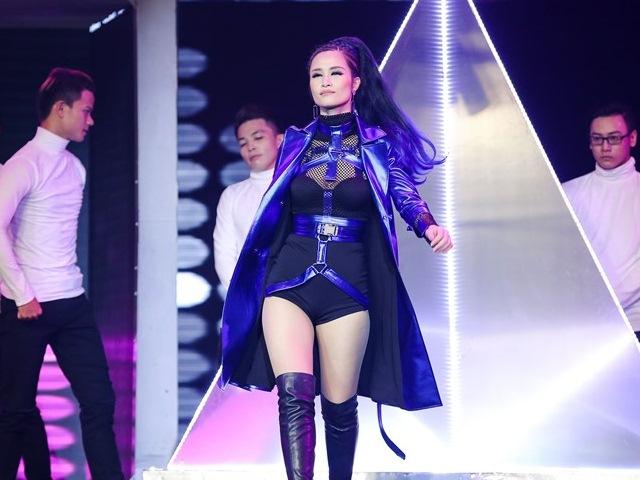 The Remix 2017: Thầy trò Đông Nhi sexy tột đỉnh vẫn bại trận trước đội Yanbi