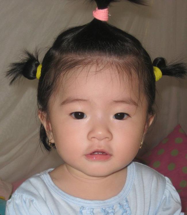 Thanh Thảo 'hugo' nhí nhảnh ngày nào giờ đã là mẹ của một 'công chúa' nhỏ cực kỳ lém lỉnh và 'ngọt ngào'.