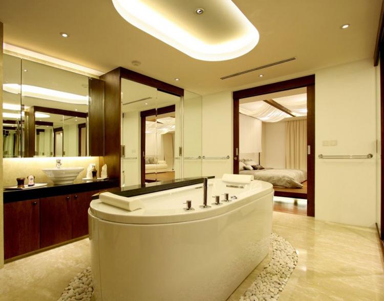 Với một phòng tắm như thế này, hẳn nhiều Eva sẽ dành hàng tiếng trời để tận hưởng nó.
