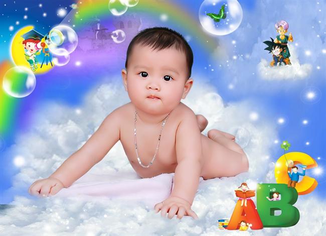 Từ đâu bỗng xuất hiện trên Eva.vn một cậu bé rất xinh trai nhé.