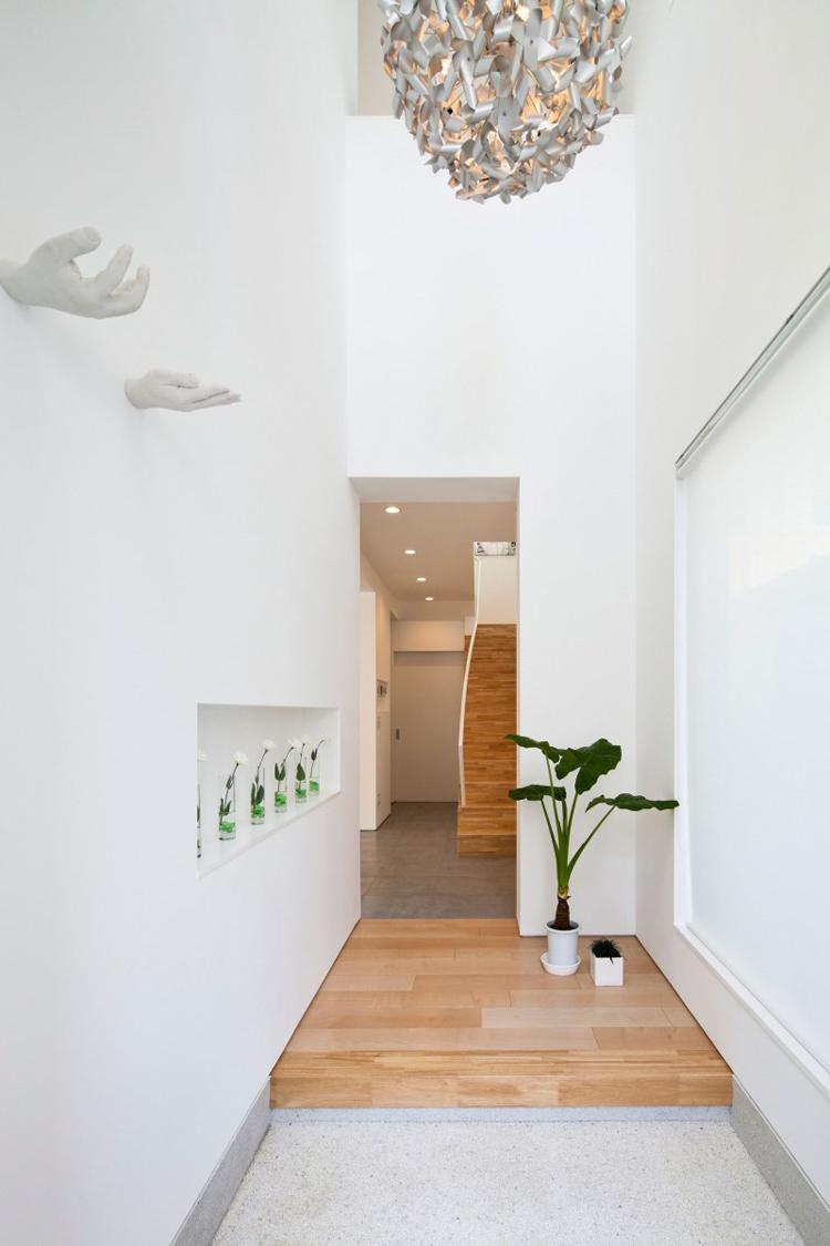 Ngôi nhà nằm tại thành phố Tokyo, nước Nhật hẳn sẽ làm nhiều chị em thích thú với vẻ giản đơn nhưng tinh tế.