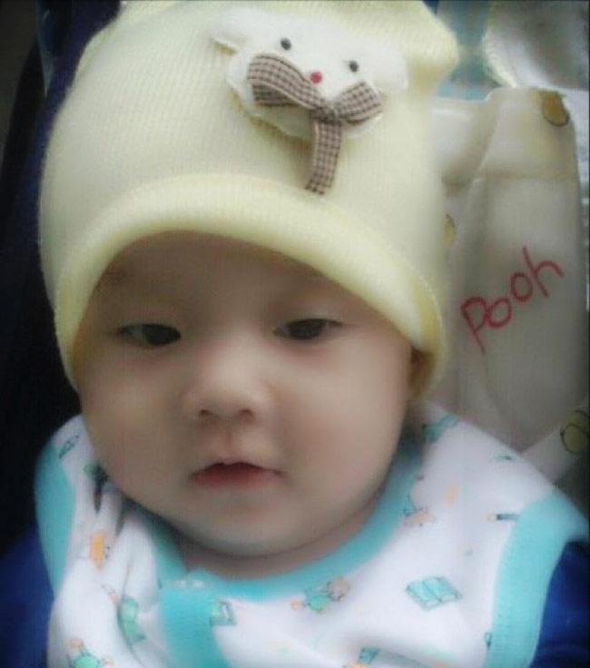 Từ lúc bé Cà Pháo chào đời (tên đầy đủ là Quách Thiên Quân) số lần diễn viên Quách Ngọc Ngoan - Lê Phương khoe hình ảnh của con chỉ đếm trên đầu ngón tay.
