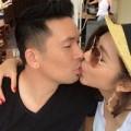 Giải trí - Ngọc Quyên hôn chồng lãng mạn giữa quán cafe