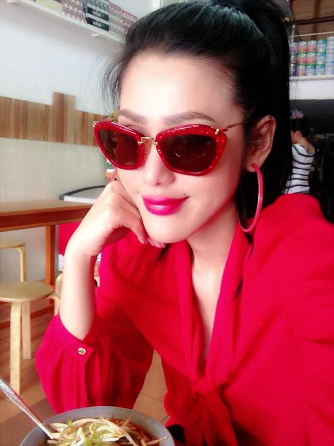 Nữ diễn viên Maria Đinh Phương Ánh bên cạnh việc nổi tiếng cùng các vai diễn thì ngoại hình của cô là điều nhiều khán giả chú ý.