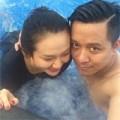 Giải trí - Tuấn Hưng đưa vợ bầu bí đi bơi
