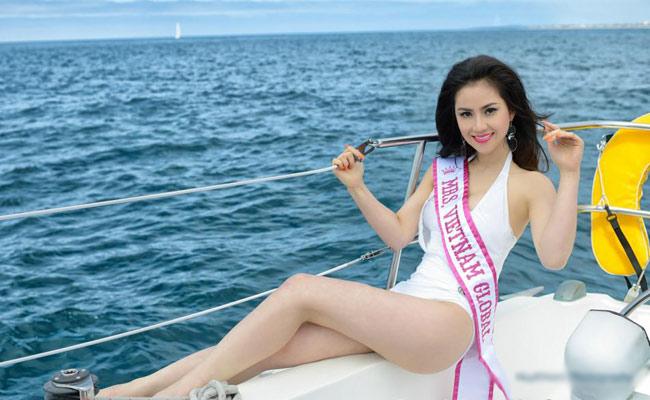 Tristine Trâm Bùi đăng quang Hoa hậu Phu nhân người Việt toàn cầu năm 2012,dành chophụ nữ người Việt đang sinh sống ở các quốc gia khác nhau trên thế giới.