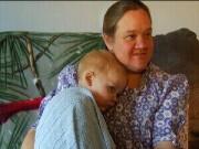 Làm mẹ - Bé trai 22 tháng tuổi sống sót kì diệu sau 30 phút tim ngừng đập
