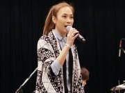 Làng sao - Mỹ Tâm giản dị tập hát với nghệ sĩ guitar hàng đầu Nhật Bản