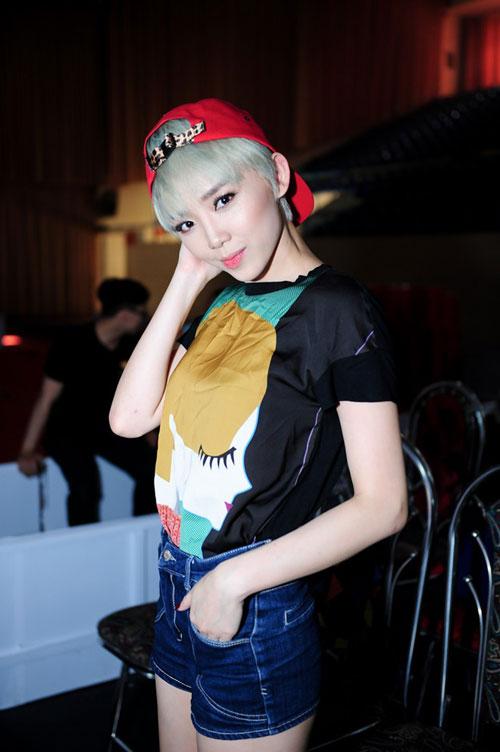 Sao Việt Nổi Loạn Khi đổi Màu Tóc Bạch Kim Thời Trang