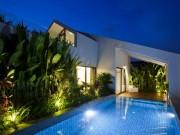 Nhà đẹp - TP.HCM: Choáng với nhà ba tầng xây bể bơi trên nóc