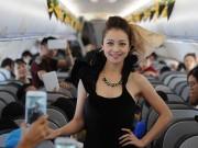 Thời trang - Jennifer Phạm gây sửng sốt khi diễn thời trang trên máy bay