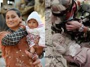 Bé 4 tháng sống sót ở Nepal đã tìm lại được mẹ