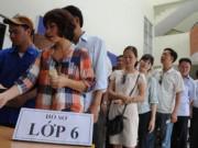 Mướt mồ hôi mua hồ sơ cho con vào lớp 6 ở Hà Nội