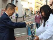 Người dân Nhật Bản quyên góp cho nạn nhân Nepal