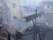 Tin tức - TPHCM: Cứu mẹ con sản phụ giữa ngọn lửa trùm 3 căn nhà