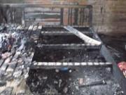 Tin tức - Cháy nhà lúc rạng sáng, vợ con chết, chồng bỏng nặng