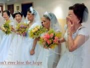 Thời trang - Những cụ bà hạnh phúc khi mặc váy cô dâu