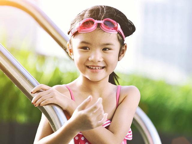 Con gái Trương Ngọc Ánh xinh đúng chuẩn hoa hậu