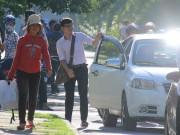Tin tức - Đà Nẵng: 'Thiếu gia' đi đăng ký thi bằng 'xế hộp' vì nắng nóng
