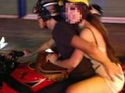 Eva Yêu - Chướng mắt hình ảnh các cặp đôi sờ soạng khi đi xe