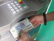 """Tin tức - Phải làm gì khi tiền trong thẻ ATM tự """"bốc hơi""""?"""