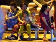 Tin tức - Cháy chung cư ở Linh Đàm: Trẻ vạ vật ngủ ngoài đường