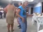 Choáng với cụ bà nhảy sexy cực chất