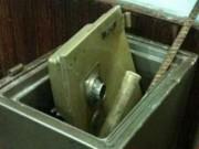 Tin tức - HS phá két nhà trường trộm tiền tỷ rồi đi học bình thường