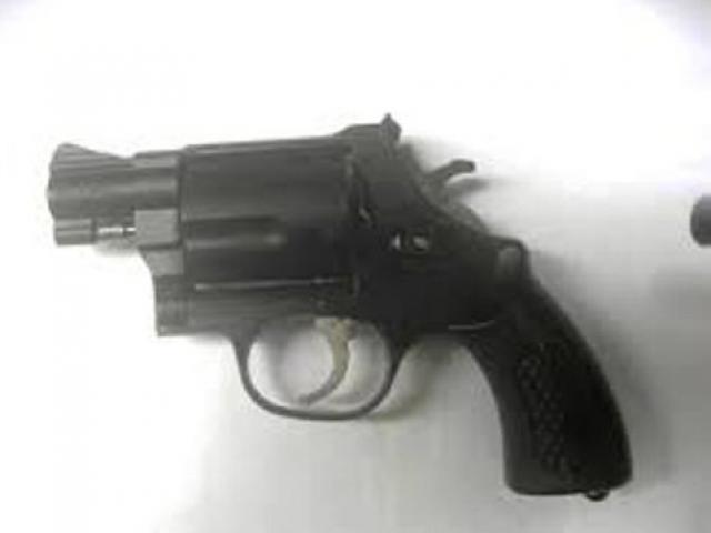 Nghịch súng cao su, một học sinh lớp 5 tử vong
