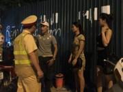Tin tức - Bắt quái xế chở gái 'dịch vụ' trong đêm