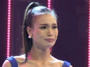 Thời trang - HHVN: H' Ăng Niê rơi nước mắt khi nhớ về tuổi thơ nghèo khó