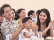 Làng sao - Vợ chồng Đăng Khôi nhận danh hiệu Gia đình hạnh phúc
