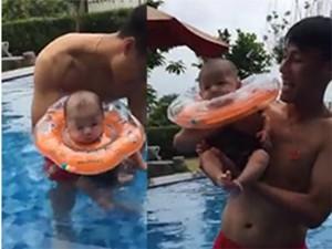 Video: Lần đầu tiên cu Tỏi nhà Mạc Hồng Quân - Kỳ Hân được đi bơi