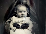 """Tin tức - Sự thật phía sau những """"bóng ma"""" trùm khăn trong các bức ảnh trẻ em thế kỷ 19"""