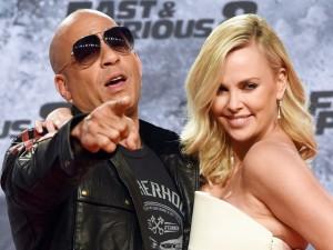 """Dù bị chê hôn """"chưa sâu"""", Vin Diesel vẫn đưa """"Fast 8"""" phá hàng loạt kỷ lục"""