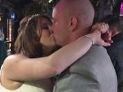 Làm vợ - Trước lễ cưới, chú rể vẫn tranh thủ... quan hệ với gái lạ