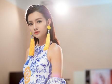 MC Quỳnh Chi suýt ngã quỵ vì ghi hình liên tục 10 tiếng đồng hồ