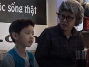 Clip Eva - Video: Vợ Đăng Khôi cải trang thành người xấu để dạy con trai cách tự bảo vệ bản thân