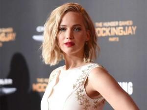 Các bí quyết giảm cân lạ đời có 1-0-2 của các mỹ nhân Hollywood