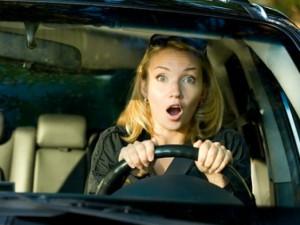 """Cười té ghế với chuyện đàn bà lái xe, đàn ông ngồi cạnh nghĩ đời """"lên tiên"""""""