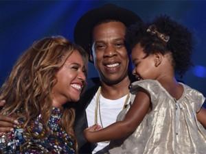 Sau bao ngày chờ đợi, cuối cùng diva Beyonce cũng đẻ sinh đôi