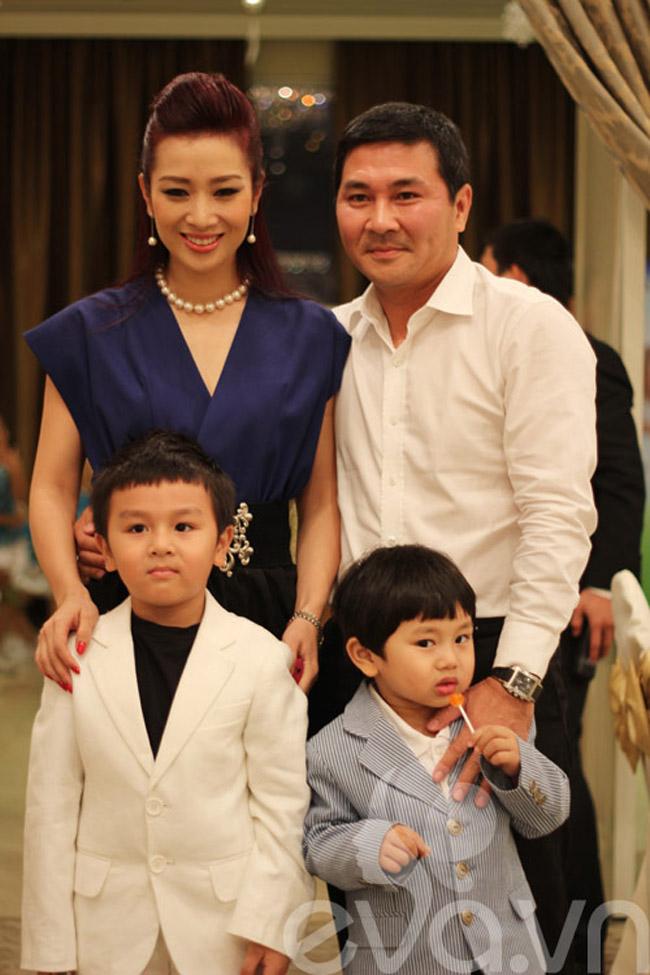 Tổ ấm hạnh phúc của Á hậu quí bà Thu Hương khiến ai cũng phải thầm ganh tị