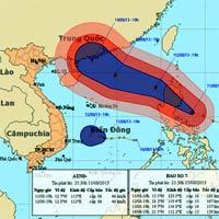 Siêu bão Utor mạnh cấp 14 tiến sát biển Đông