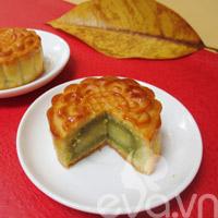 Bánh Trung thu nhân đậu xanh, trà xanh