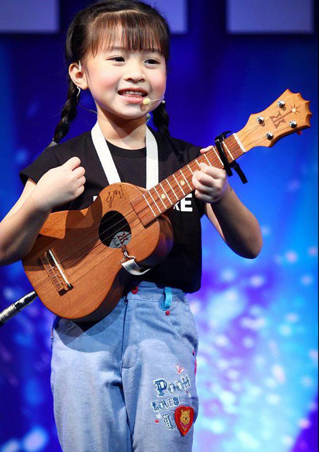 Gali Sophicha là cô bé Thái Lanđã gây nên cơn sốtvới clip coverKiyomi trên khắp châu Á