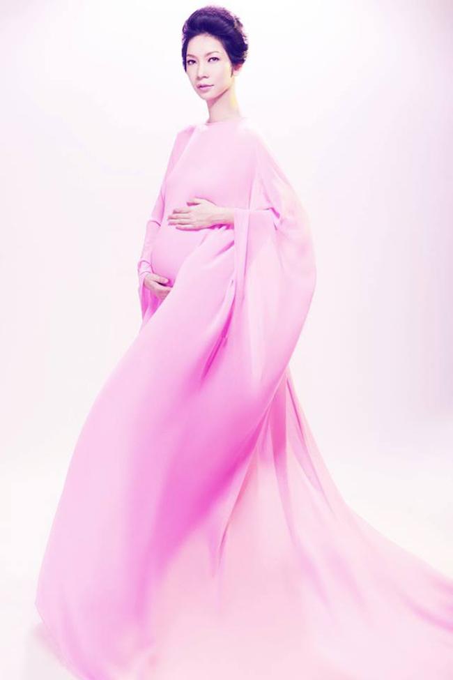 Thông tin siêu mẫu Xuân Lan có bầu dù chỉ mới được 'tiết lộ' cách đây hơn 1 tháng nhưng đã nhận được rất nhiều sự chú ý của người hâm mộ.
